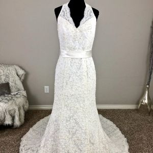 Ivory lace halter Fit-n-Flare Wedding Dress
